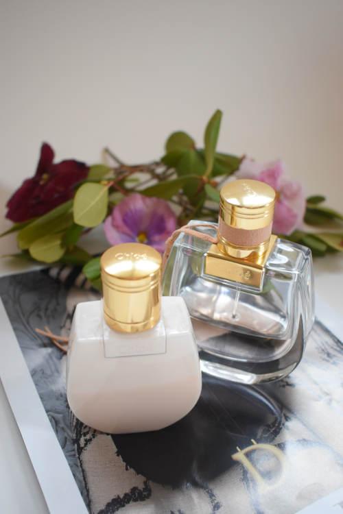 flacons de parfums et de cosmétiques